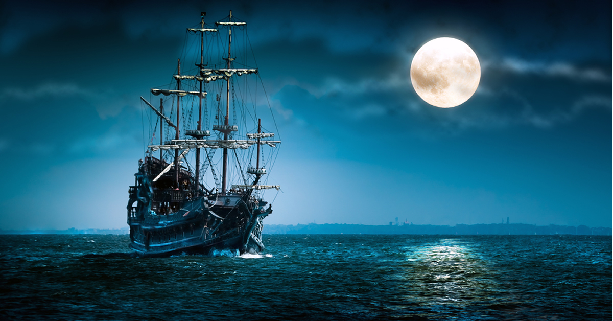 Pirate ship Flying Dutchman by shutterstock.com