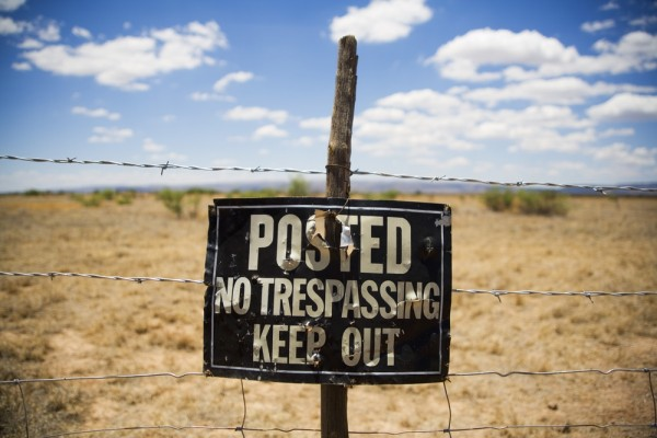 No Trespassing Sign by shutterstock.com - shutterstock_178706192